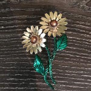 Vintage Tiger's Eye flower brooch green and gold